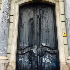 My new obsession with doors starts HERE! Passeig de Colom, Barcelona